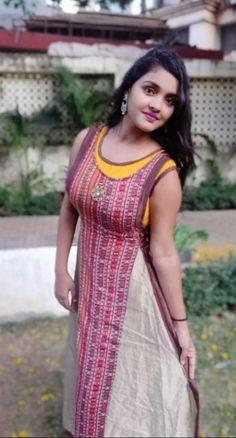 Punjabi Dress, Pakistani Dresses, Flowy Gown, Indian Wife, Actress Anushka, Girl Photo Poses, India Beauty, Star Fashion, Snapchat