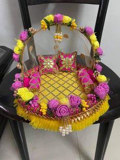 Diwali Decoration Items, Thali Decoration Ideas, Ganpati Decoration At Home, Diwali Decorations At Home, Basket Decoration, Desi Wedding Decor, Wedding Crafts, Wedding Art, Ganesh Chaturthi Decoration