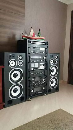 Hifi Music System, Car Audio Systems, Hifi Speakers, Hifi Audio, Som Retro, Radios, Home Music Rooms, Bedroom Setup, Powered Subwoofer