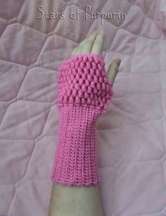 ⛄⛄⛄ Sleeves in color Pink ⛄⛄⛄ Part of the arm thick, and hand lattice of bubbles. Kawaii, Manga, Fingerless Gloves, Arm Warmers, Etsy Seller, Christmas Gifts, Friends, Winter, Pink