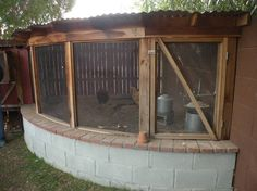#CHICKENS: Creative way to protect the bottom of the chicken run and a lovely way to use the corner - http://dunway.com