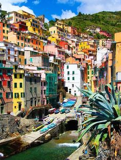 I'm so excited to share the rest of the Cinque Terre photos with you today! Today I've got our photos from Manarola and Riomaggiore, the two southern-most villages in the Cinque Terre. Places To Travel, Places To See, Travel Destinations, Travel Around The World, Around The Worlds, Cinque Terre Italy, Italy Italy, Voyage Europe, Photos Voyages