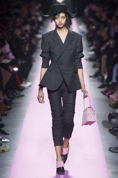 Jacquemus Fall 2017 Ready-to-Wear Fashion Show - Tandi Reason Dahl