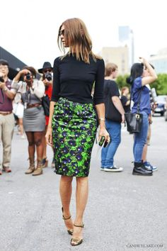 Carine Roitfeld in a slimming turtleneck and printed pencil skirt // #Classic #Fashion #StreetStyle