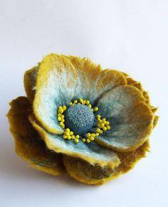fleurs en feutrine, beau mélange de couleurs en feutrine