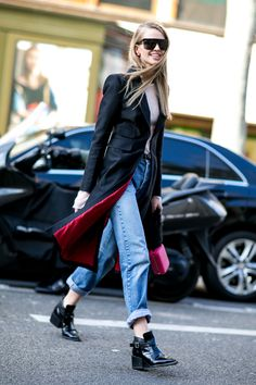 The glories of fashion : Photo