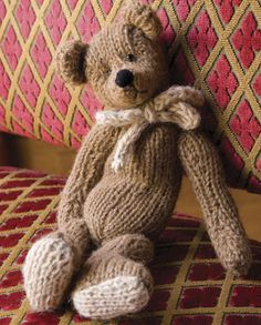 Fuente: http://www.interweavestore.com/Knitting/Patterns/Classic-Teddy-Bear.html/