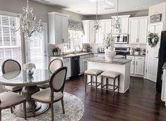 Luxury Kitchen Design In 2020 Ideas , Dream and Modern Kitchen) Luxury Kitchen Design, Interior Design Kitchen, Diy Interior, Kitchen Cabinet Design, Kitchen Layout, Kitchen Cabinets, Kitchen Countertops, Soapstone Kitchen, Kitchen Cupboard