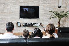 Deseja assistir a um bom filme com os familiares ou amigos e não sabe qual  escolher? Separamos para você duas dicas de filmes!