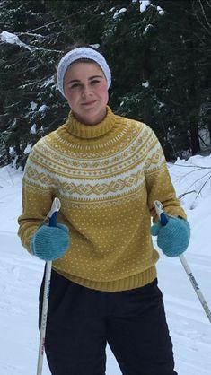 Norwegian knitting #strikking #knitting #setesdalsgenser #skiingoutfit #nomoresnow Slow Design, Drops Design, Ravelry, Camilla, Bunny Blanket, Farm Crafts, Lion Brand Yarn, Fair Isle Knitting, Knitwear