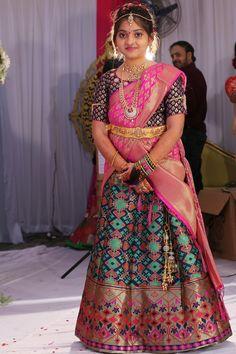 Half Saree Designs, Saree Blouse Neck Designs, Dress Neck Designs, Kids Lehenga Choli, Half Saree Lehenga, Baby Girl Party Dresses, Dresses Kids Girl, Kids Dress Wear, Kids Gown