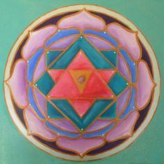 Mandala to Calm the Mind Spiritual Drawings, Spiritual Paintings, Sacred Symbols, Sacred Art, Chakras, Tantra Art, Chakra Art, Healing Heart, Circle Of Life
