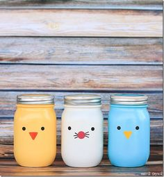 Check out these 130 easy DIY Mason Jar Crafts for Spring and Summer, and they will all make you think uniquely toward the old Mason jars! After a short tour of these DIY Mason jar crafts, you are just not going to end up the mason jars in dumpsters! Pot Mason, Mason Jar Gifts, Mason Jar Diy, Jar Crafts, Bottle Crafts, Gift Crafts, Easy Easter Crafts, Crafts For Kids, Diy Ostern