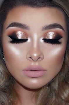 Makeup Shimmery Eyeshadow Look Ideas 28 – Fiveno Eyeshadow Tips, Blending Eyeshadow, Shimmer Eyeshadow, Eyeshadow Makeup, Dramatic Eyeshadow, Golden Eyeshadow, Makeup Blending, Eyeshadow Palette, Blue Eyeshadow Looks