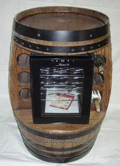 This excellent photo is an extremely inspiring and extraordinary idea Whiskey Barrel Furniture, Wine Furniture, Wine Barrel Sink, Wine Barrels, Wwe, Outdoor Oven, Wine Craft, Wine Fridge, In Vino Veritas