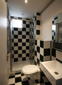Black And White Compact Bathroom Design