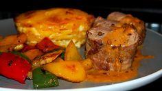 Připravíme mísu, kam naložíme maso. Panenku osolíme, opepříme a dáme do mísy. Přilijeme trochu oleje, rozmarýn, tymián a rozmáčklé stroužky... Mashed Potatoes, French Toast, Treats, Chicken, Breakfast, Ethnic Recipes, Food, Steak, Roast Beef