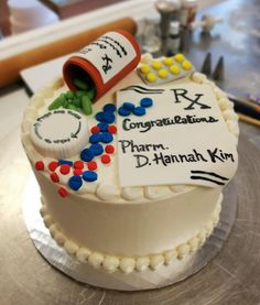 pharmacy graduation cake | pharmacist cake