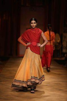Tarun Tahiliani Wills Lifestyle India Fashion Week AW13