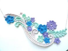 Lace Necklace Hand Painted: Flowers and Leaves #jewelry #jewellery