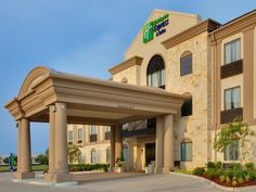 Houston (TX) Holiday Inn Express Hotel & Suites Houston Energy Corridor - West Oaks United States, North America Located in Westchase, Holiday Inn Express Hotel & Suites Houston Energy is a perfect starting point from which to explore Houston (TX). The hotel offers guests a range of services and amenities designed to provide comfort and convenience. Free Wi-Fi in all rooms, 24-hour front desk, express check-in/check-out, luggage storage, room service are on the list of things ...