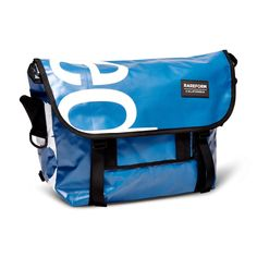 The Manhattan Messenger bag is inspired by the freedom of cycling and is designed for everyday excursions. The re-purposed billboard vinyl provides a unique look and a durable, weather-resistant exter