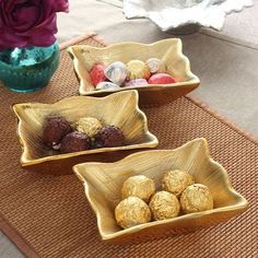 MOM-Italy Rectangle Bowl Set of Three Pieces - This 3 piece rectangle bowl set adds class to your tableware collection. Adorn it with assorted dry fruits or delicious snacks