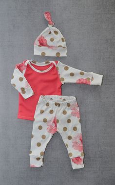 Newborn girl outfit newborn coming home by LittleBeansBabyShop