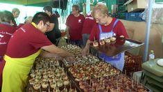 REPORTAJE: Más de 1.300 tapas se han repartido hoy en el Día de la Tapa en la Carpa de la Casa Regional de Castilla la Mancha. Sigue... Regional, Carp, Home Parties