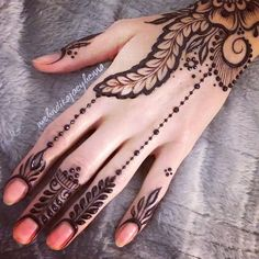 best mehndi design simple and easy step by step are available here. You can save the beautiful mehndi designs, latest mehndi designs. Mehndi Designs 2018, Henna Designs Easy, Arabic Mehndi Designs, Mehndi Designs For Hands, Henna Tattoo Designs, Mehandi Designs, Arabic Henna, Tattoo Ideas, Mehndi Design Pictures