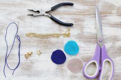 DIY Felt Garland Necklace | http://helloglow.co/diy-felt-garland-necklace/