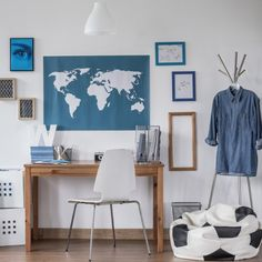 Ideas for decorating your teen's room.