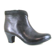ef109df119e4 26 Best comfortable but stylish shoes images