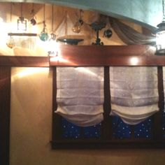 Peter Pan room at Disneyland....I think I must do this live the chimes with the windows :)