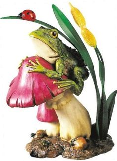 Amazon.com: Frog on Mushroom Collectible Garden Decoration Figure Sculpture Model: Home  Kitchen