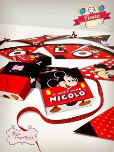 Fiesta Mickey Mouse - cajitas de torta y banderin