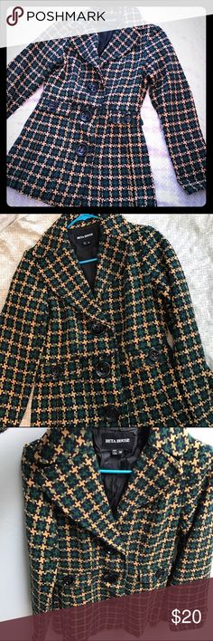Vintage inspired coat Lovely vintage inspired retro looking coat. Very cute and fashionable. Perfect for those cold winter nights. Beta House Jackets & Coats Pea Coats