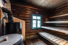 Myynnissä - Omakotitalo, Nummenpää, Nurmijärvi:  #puutalo #sauna #hirsitalo Mobile Sauna, Finnish Sauna, Spa Rooms, Wellness Spa, Painted Doors, Saturday Night, Finland, Project Ideas, Scandinavian