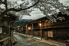 Explore a 400 year old town in Japan that hasn't changed since the days of the samurai. Travel off the beaten path and see what it was like to live and travel back then!