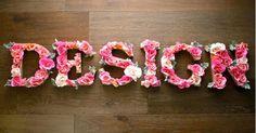 Usar letras em MDF decoradas já virou hábito na vida de quem gosta de mudar os ambientes sem precisar fazer grandes mudanças. Para que você também possa entrar nessa onda, vamos mostrar como produzir letras em MDF decoradas com flores.  Veja: