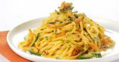 Pasta with zucchini and saffron Zucchini Pasta, Spaghetti, Dishes, Ethnic Recipes, Food, Greek, Cooking, Recipes, Kitchen