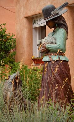 Santa Fe, New Mexico, Sculpture New Mexico Style, Taos New Mexico, Mexico Art, Southwestern Home, Southwest Style, Southwest Usa, Native American Pottery, Native American Art, New Mexican