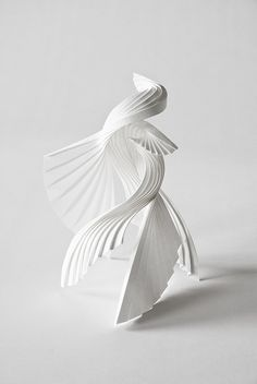 Route 2 C - Stave Sculpture Abstract Sculpture, Sculpture Art, Paper Sculptures, Organic Sculpture, Arte Fashion, Art Bag, Paper Folding, Book Folding, 3d Prints