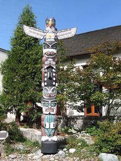 Native American  totem poles paintings | Native American Heritage: Totem Poles - Yahoo Voices - voices.yahoo ...