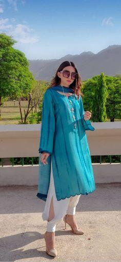 Pakistani Fashion Party Wear, Pakistani Fashion Casual, Pakistani Dresses Casual, Pakistani Dress Design, Casual Dresses, Casual Wear, Stylish Dresses For Girls, Stylish Dress Designs, Designs For Dresses
