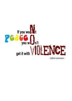 Fase 4: Selectie finaal ontwerp. In dit ontwerp komt naar mijn gevoel de betekenis van de quote het best naar voor. Men kan geen vrede bekomen met geweld. De nadruk word gelegd op (no) violence. Wat wordt weergegeven in een agressief lettertype. Het woord peace staat in vrolijke kleuren.
