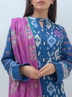 Salwar Neck Designs, Neck Designs For Suits, Kurta Neck Design, Sleeves Designs For Dresses, Dress Neck Designs, Kurta Designs Women, Dress Design Patterns, Fancy Dress Design, Stylish Kurtis Design