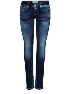 ONLY Slim-Jeans., 2 runde Vordertaschen und eine Münztasche., 2 Gesäßtaschen., 6 Gürtelschlaufen., Mit 3 Knöpfen verschließbar., Das Model ist 176 cm groß und trägt Größe 28/34.,   98% Baumwolle, 2% Elasthan...