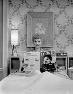 Art Print POSTER CANVAS Lucille Ball with Vacuum Cleaner in I Love Lucy
