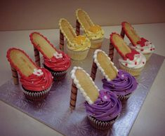 Easy to make cupcake shoes: regular cupcakes, Nutter Butter soles (or other oval biscuit) and Pirouline cookie heels.